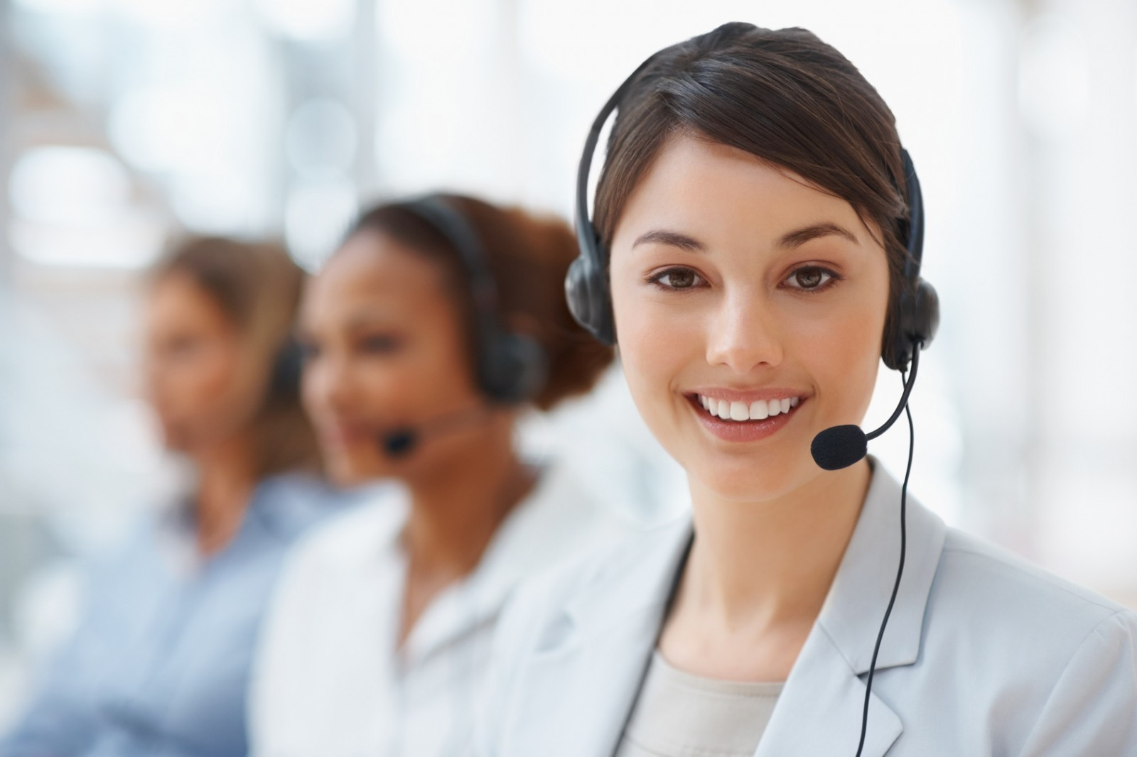Nhân viên chăm sóc khách hàng cho doanh nghiệp